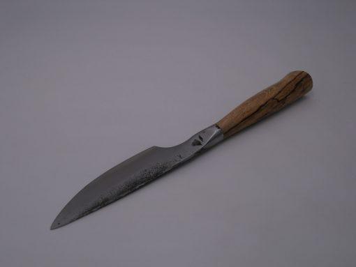 couteau-brut-de-forge-tranchant