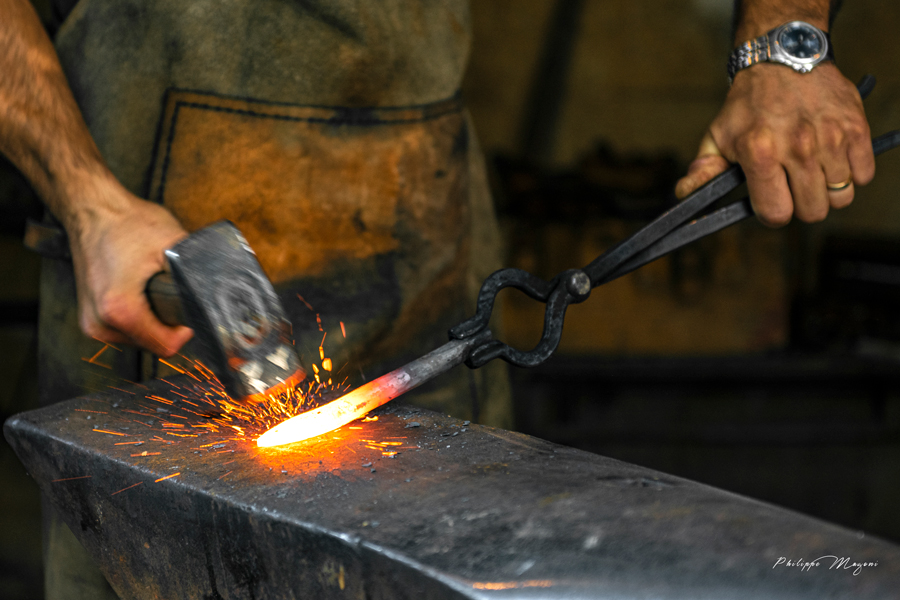 forge-couteau-lame-fixe-artisanal