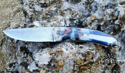 couteau pliant Gedemus liner lock lame damas resine goldorak